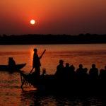 paseo en barco en varanasi norte de India